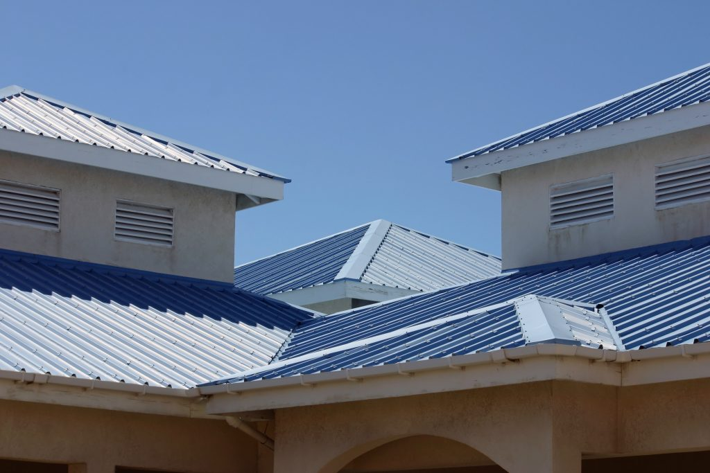 Metal Roofs covering a commercial building in Fort Worth